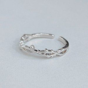 Jewelry - NEW 925 Sterling Silver Leaf Adjustable Ring